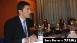 Milan Perović