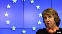 ЕИ ташқи сиёсат бўйича мутасаддиси К. Эштон бугунги оғир вазиятда Европа Иттифоқи Украинага ёрдам беришга ҳозир эканини айтди.