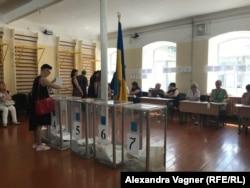 Голосование в 221-м избирательном округе города Киева