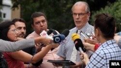 Изјава за медиумите на Питер Ванхауте во Скопје.