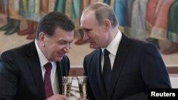 Өзбекстан президенті Шавкат Мирзияев Ресей президенті Владимир Путинмен кездесуде. Мәскеу, 5 сәуір 2017 жыл.