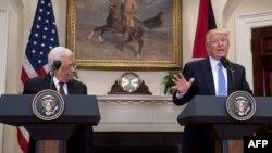 ԱՄՆ նախագահ Դոնալդ Թրամփն ու Պաղեստինի նախագահ Մահմուդ Աբբասը համտեղ ասուլիսի ժամանակ, 3-ը մայիսի, 2017թ.