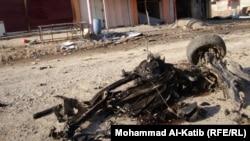 بقايا سيارة مفخخة انفجرت في بعشيقة اوائل تشرين 2 الماضي