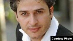 ۴ - آواز میخوانم وطن - امیر تاجیک