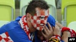 Razočarenje navijača nakon što je Hrvatska ispala iz daljnjeg takmičenja na Euru, lipanj 2012.