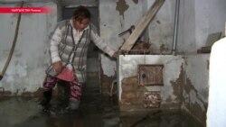 Зимний паводок в Токмаке. Люди вынуждены покидать дома