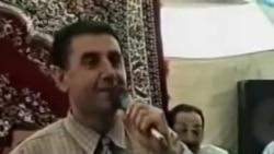 İlham Əziz şair Zəlimxan Yaqubu parodiya edir