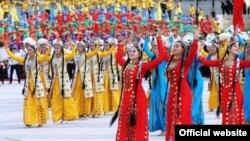 Türkmen medeniýet işgärleri. Illýustrasiýa suraty