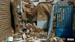 Իրան - Երկրաշարժի հետևանքով փլուզված շինություն Թորբաթ Ջամ քաղաքում, 5-ը ապրիլի, 2017թ․