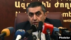 Armenia - Armen Rustamian, a leader of the Armenian Revolutionary Federation, at a news conference in Yerevan, 27Mar2015.