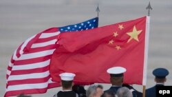 Zastave SAD i Kine, ilustrativna fotografija