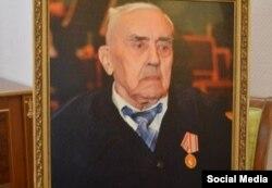 Чыгыш таануучу Теодор Адамович Шумовский (1913—2012).