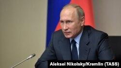 ولادیمیر پوتین از نابودی زرادخانه شیمیایی روسیه به عنوان یک «رویداد تاریخی» یاد کرده است.