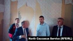 Полубояренко продемонстрировал Мартенсу свой пустующий дом