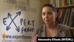 Laura Ștefan a vorbit cu Europa Liberă despre problema veche de 20 de ani a transparenței instituționale.