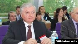 Էդվարդ Նալբանդյանը ելույթ է ունենում ԵԽ-ի նախարարական հանդիպմանը, Ստրասբուրգ, 11-ը մայիսի, 2010թ.