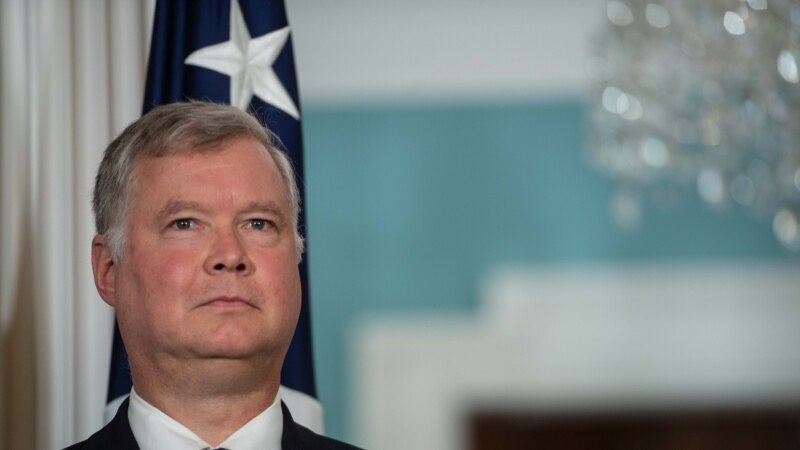 U.S. Envoy To North Korea Favored As Next Ambassador To Russia