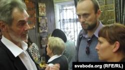 Зьлева направа: Ігар Трусаў, гісторык Янка Лялевіч, журналістка Хрысьціна Марчук.