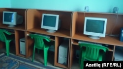 Tatarstan -- Computer class in medrese, mosque, Khabarovsk. may2011
