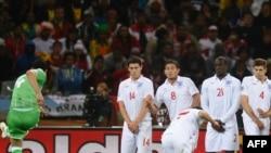 Игра сборной Англии на ЧМ-2010 пока не внушает ее болельщикам никаких светлых чувств