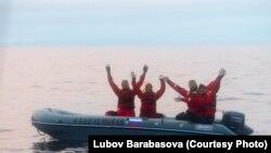 Волонтеры в Охотском море
