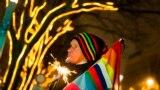 Demonstrație de protest în fața ambasadei ruse de la Berlin la care s-a cerut abolirea legilor antigay din Rusia, înaintea Jocurilor Olimpice dela Soci, 12 decembrie
