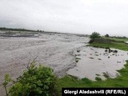 ადიდებული მდინარე შოროხევი
