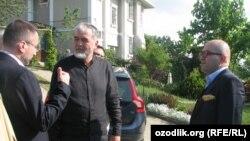 Один из лидеров узбекской оппозиции Мухаммад Салих (в центре).