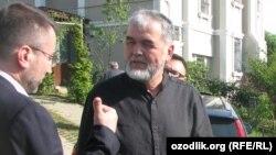 Muhammad Solihning Istambuldagi uyi shanbaga o'tar kechasi noma'lum shaxslar tarafidan o'qqa tutildi.
