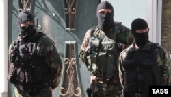 Обшук у кримських татар в Кольчугіно