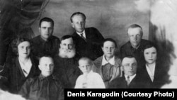 Семья Степана Карагодина в Томске в 1937 году.