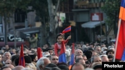 Armenia -- Armenian opposition parties holding a rally in Liberty Square, Yerevan, 10Oct2014