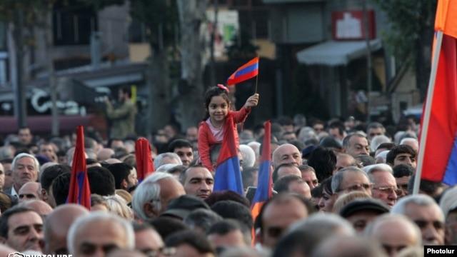 Armenia -- An opposition rally in Yerevan, 10Oct2014