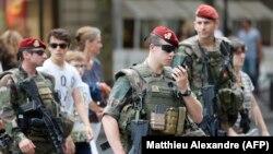 Полицейский патруль в Ницце
