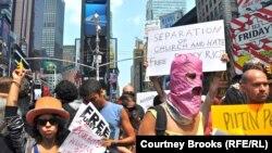 Акция в поддержку Pussy Riot в Нью-Йорке