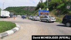 Полиция закрыла въезды и выезды из Дманиси