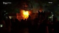 Полицијата со солзавец против демонстранти пред Белата куќа