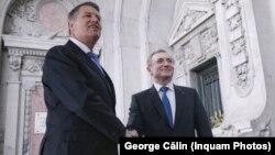 Klaus Iohannis a refuzat în mai multe rânduri să-l demită pe Augustin Lazăr, după ce ministrul demisionar al Justiției făcuse solicitarea