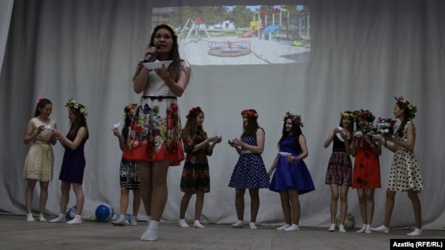 "Сәхнәдә ""Сәләт"" театры"