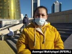 Жительница столицы Акбаян Жалмырзаева. Нур-Султан, 20 октября 2020 года.