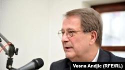 NIje slučajno što Dodik dolazi u Beograd u vreme posete Johanesa Hana, smatra Boško Jakšić