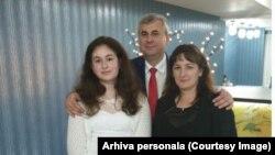 George Mazilescu, alături de fetița și soția lui