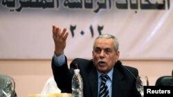 رئيس لجنة إنتخابات الرئاسة المصرية فاروق سلطان يتحدث في مؤتمر صحفي