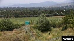 В ближайшее время районные администрации по согласованию с пограничниками приступят к работам по установке информационных знаков на въездах в пограничную зону Южной Осетии