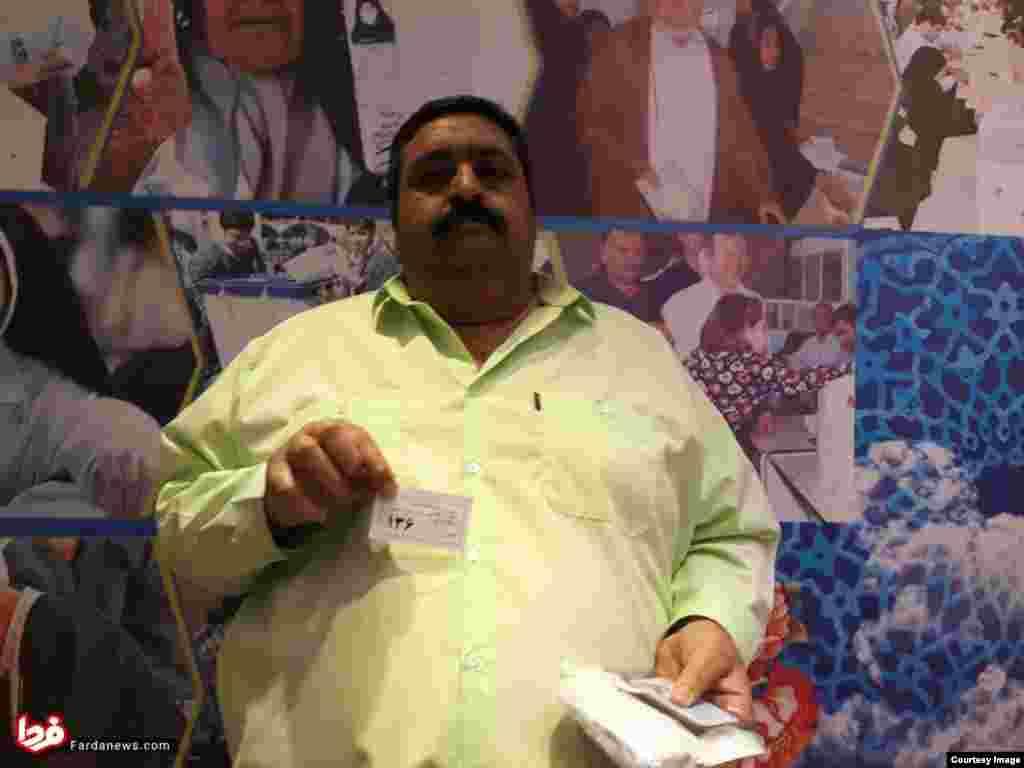 اولین فردی که برای انتخابات به وزارت کشور آمد