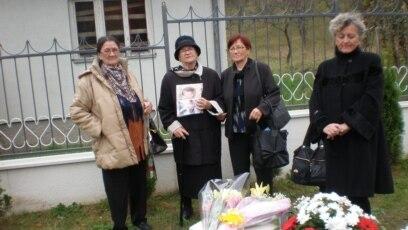 Porodice žrtava obeležavaju godišnjicu ratnog zločina u Sjeverinu, oktobar 2018.