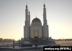 """Мечеть """"Нұрғасыр"""" в Актобе."""