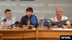 Nicolae Panfil, Eugeniu Ribca și Ion Bunduchi (APEL), la o dezbatere la Chișinău