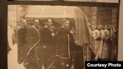 Похоронна процесія за митрополитом Андреєм Шептицьким, Львів, листопад 1944 року (фото надані історичним архівом у Львові)