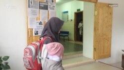 Перейдут ли «школьницы в платках» в следующие классы?